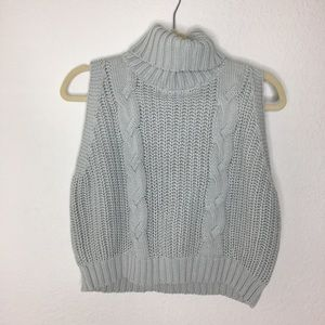 Kendall & Kylie Crop Turtle Neck Sweater Large